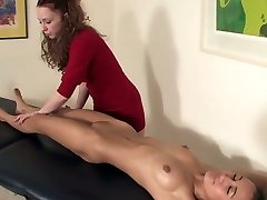 Girl/girl Rubdown
