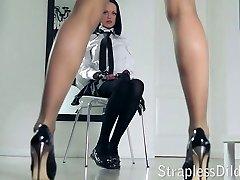 A long legged tutor gets feeldoe pounding