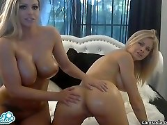 hottest blonde lesbians with big bra-stuffers n grease