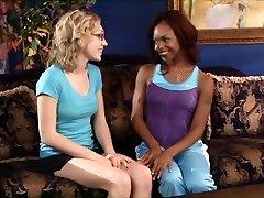 7 Siyah ve Beyaz lezbiyenler
