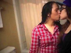 Youtube G/g kiss 20