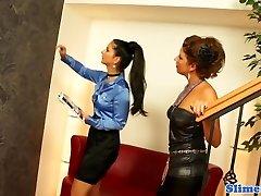 Bukakke lesbos toying puss at the gloryhole