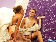 Les babes mass ejaculation sprayed and jizz-swapping