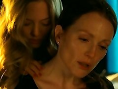 Sapphic vignette from Julianne Moore and Amanda Seyfried