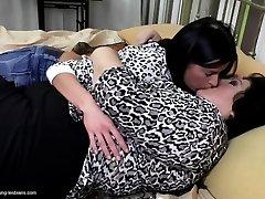 Teenie girl eats big hairy mature grannie