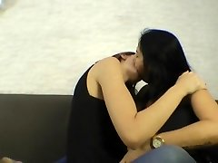 cougar kissing (lesbians)