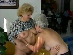 Grannys Lezzies