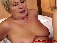 Curvy granny pussylicks tight sweetie