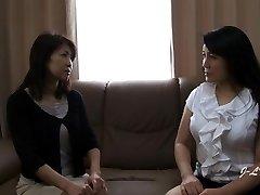 FULL Lezbiyen Öpüşme-Yukari/Misako Kanepe