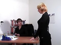 The head entertains with secretary