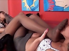 Glorious Pantyhose Foot Sniffing