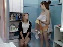 18 yr old lesbian teens girl FISTING