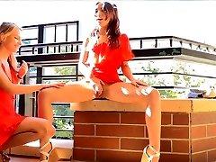 Halka açık bir yerde Seks Oyuncakları