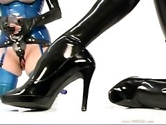 Latex-Strapon Party