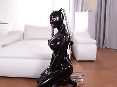 LATEX FETISH LEZZIES