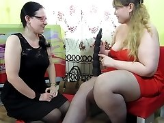 plumper furry lesbian dildoing and fisting