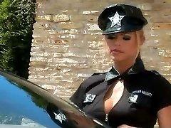 Ty lesbickou policajt, kontroluje auto a píča zrzka