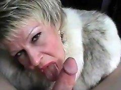 Cougar In A Fur Adorn Gets Nutted