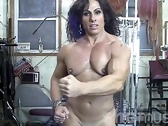 Annie Rivieccio Naked Chick Bodybuilder in the Gym