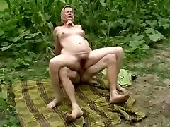 GRANDMOTHER OUTDOOR ANAL ORGY