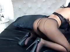 Cougar tease in pantyhose and heels