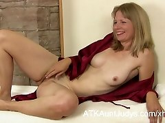COUGAR Lexa Mayfair is interviewed