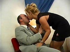 Mature ash-blonde idolize anal