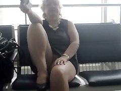 Goldenpussy:Airport flaching