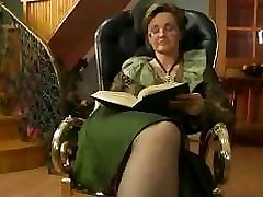 Granny Fucked In The Tabouret