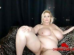 World Notorious BBW Porn Industry Star Samantha38G on Her Live Cam