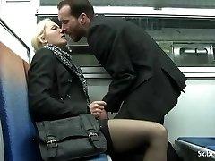 Alicia analfucked v podzemni William