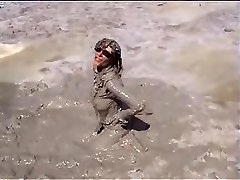 Marjorie ist getting moist and grubby in the ocean - outdoor