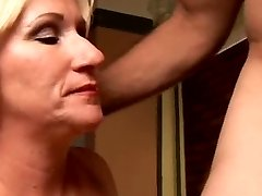 Kinky mature stunner Molly gives a sloppy rimjob