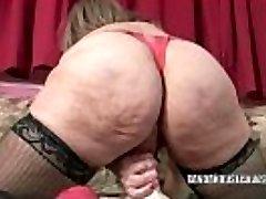 Mature slut Sandie Marquez inserts her slit with a toy