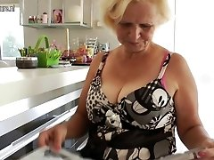 Granny Janice luvs to get wet and kinky
