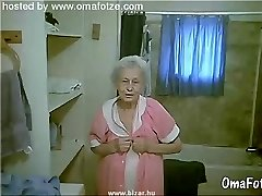 OmaFotzE Hairy Amateur Granny Pussies Close-ups