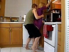 Porking Mommy In The Kitchen