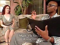 Mae Victoria Interarracial mamma