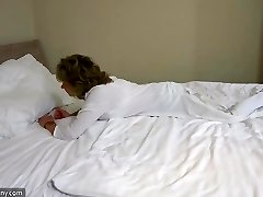 OldNanny sexy mom with ten jack on bed