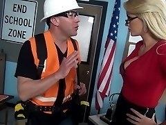 Blonde mature in glasses Gigi Allens pummels a scorching builder