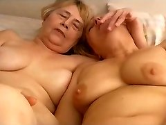 OmaPasS Homemade Granny Ladies Toying Getting Off