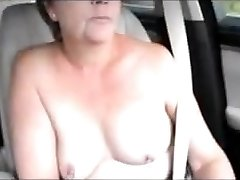 Sexy uk cougar lil' tit topless challenge in car