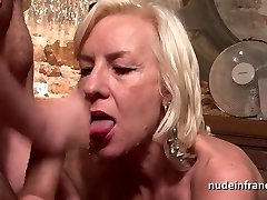 Luxurious french mature deep analized with jizm 2 mouth in a bar