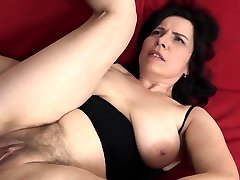 Mature with all-natural fun bags gets a creampie in her hairy pussy!