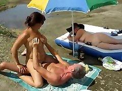 Russian swingers make enjoy by the sea.