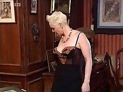 Mature Sonia Muere knuckle penetrate