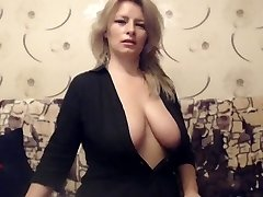 Mature Busty Milf taunts on web cam