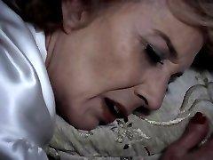 GIGOLA - grannie sapphic