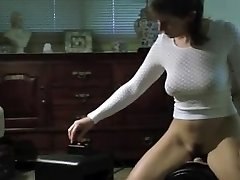 Hot Arse Mature Wife on Sybian