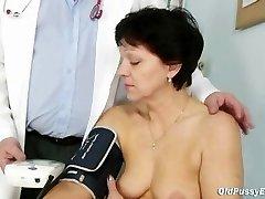 Mature doll Eva visits gyno doctor to get gyno mature check-up